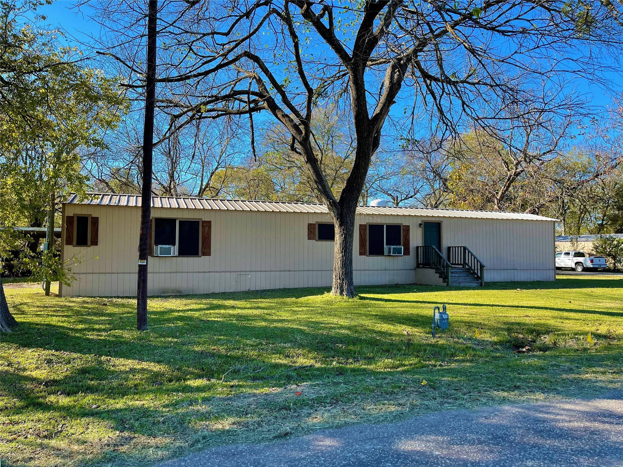 1000 S 9th Avenue Property Photo - Teague, TX real estate listing