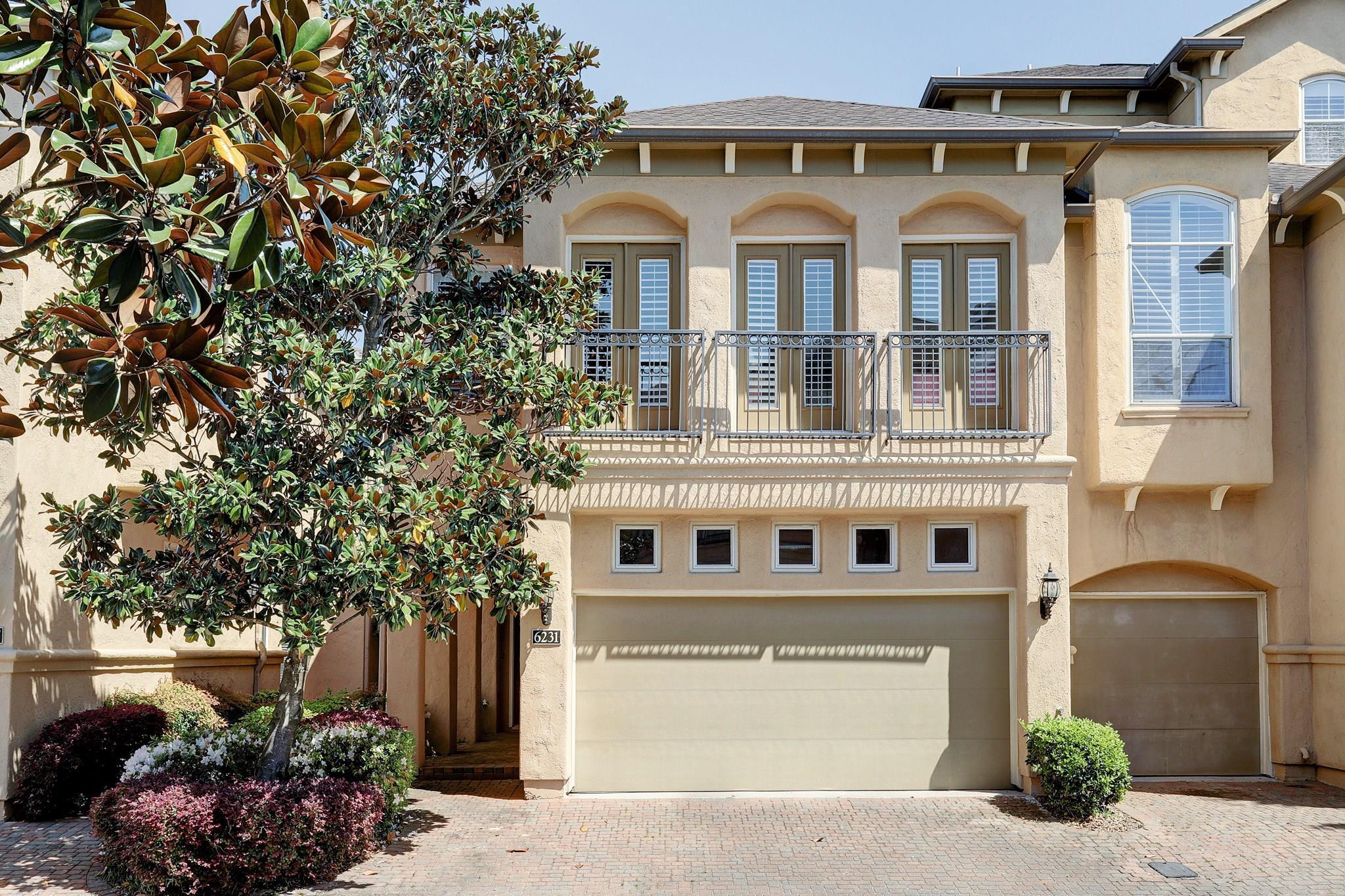 6231 Sutherland Square Property Photo