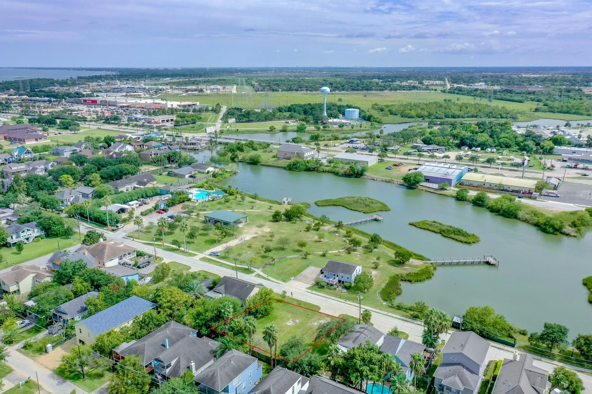 830 Birch Road Property Photo - Clear Lake Shores, TX real estate listing