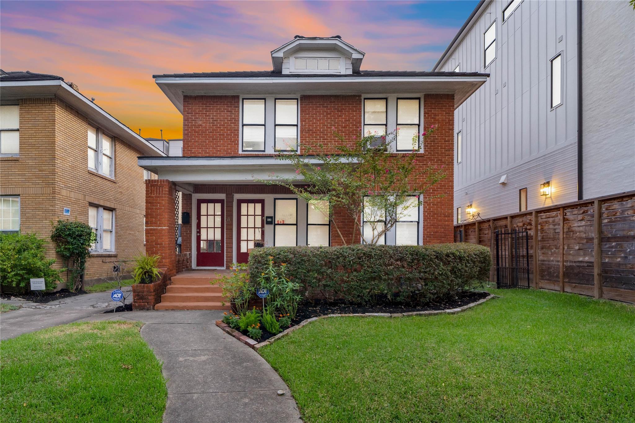 406 W Pierce Street Property Photo - Houston, TX real estate listing