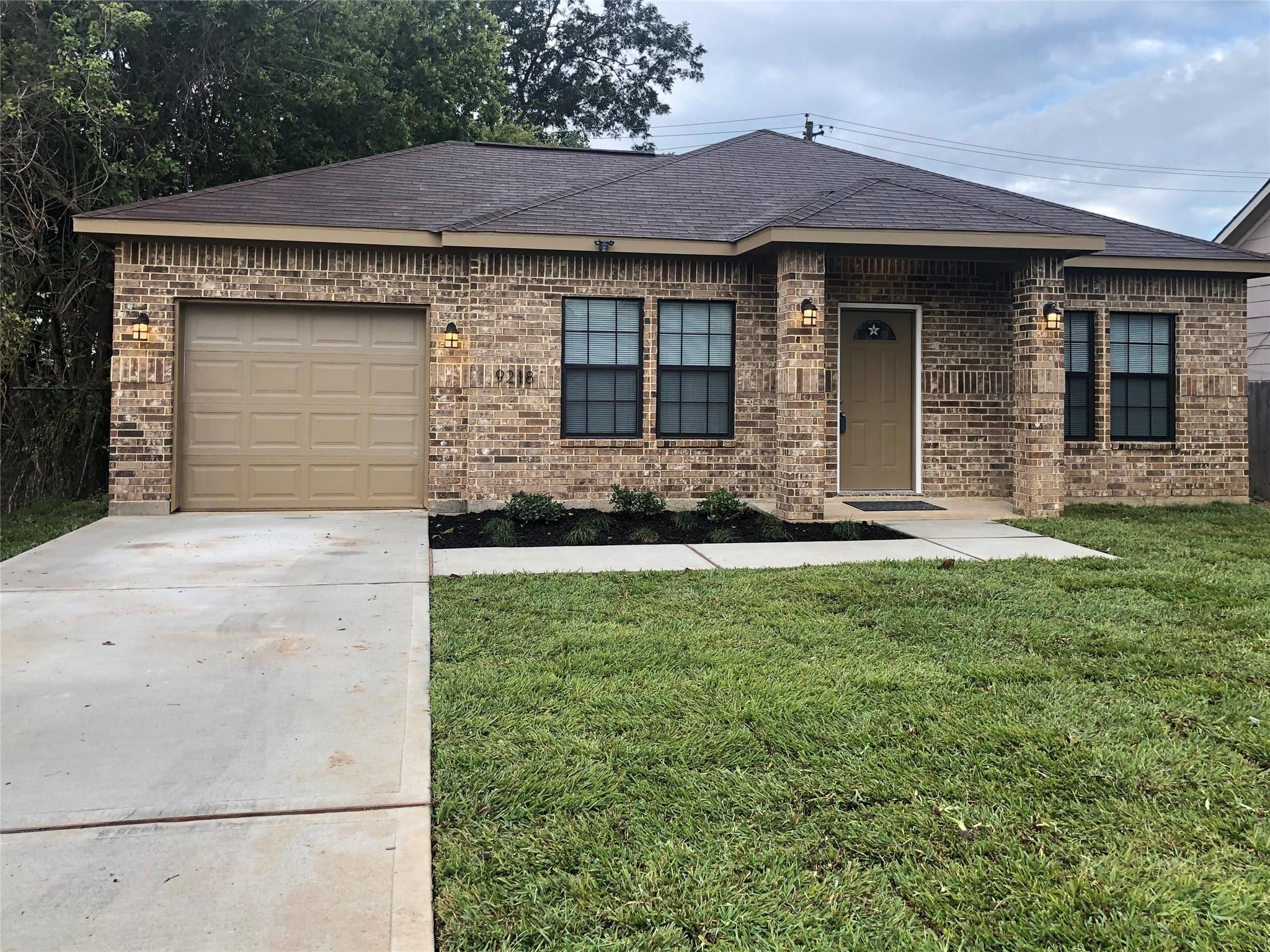 9218 Rhode Island Street Property Photo - Houston, TX real estate listing