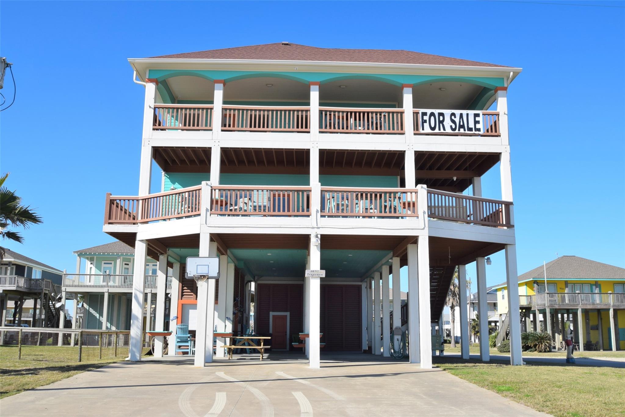 2897 Tropicana Property Photo - Crystal Beach, TX real estate listing