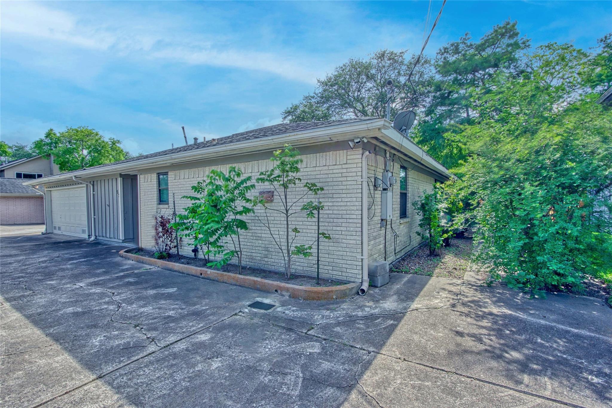53 Lazy Lane Property Photo - Kemah, TX real estate listing