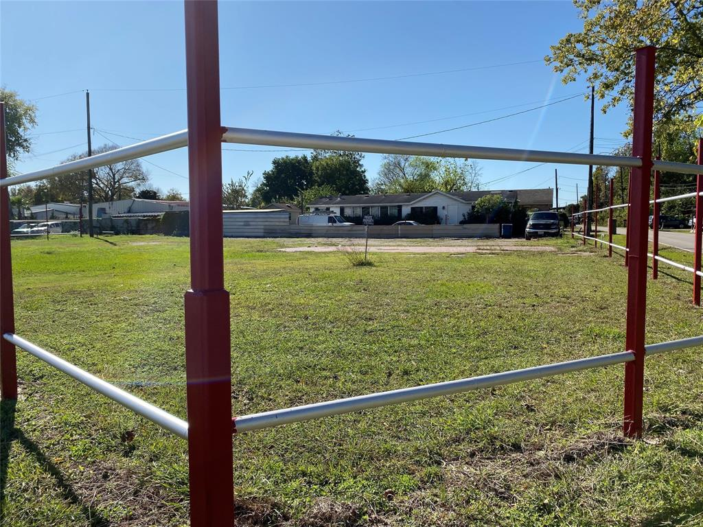 11577 NE Eastex Freeway, Houston, TX 77093 - Houston, TX real estate listing