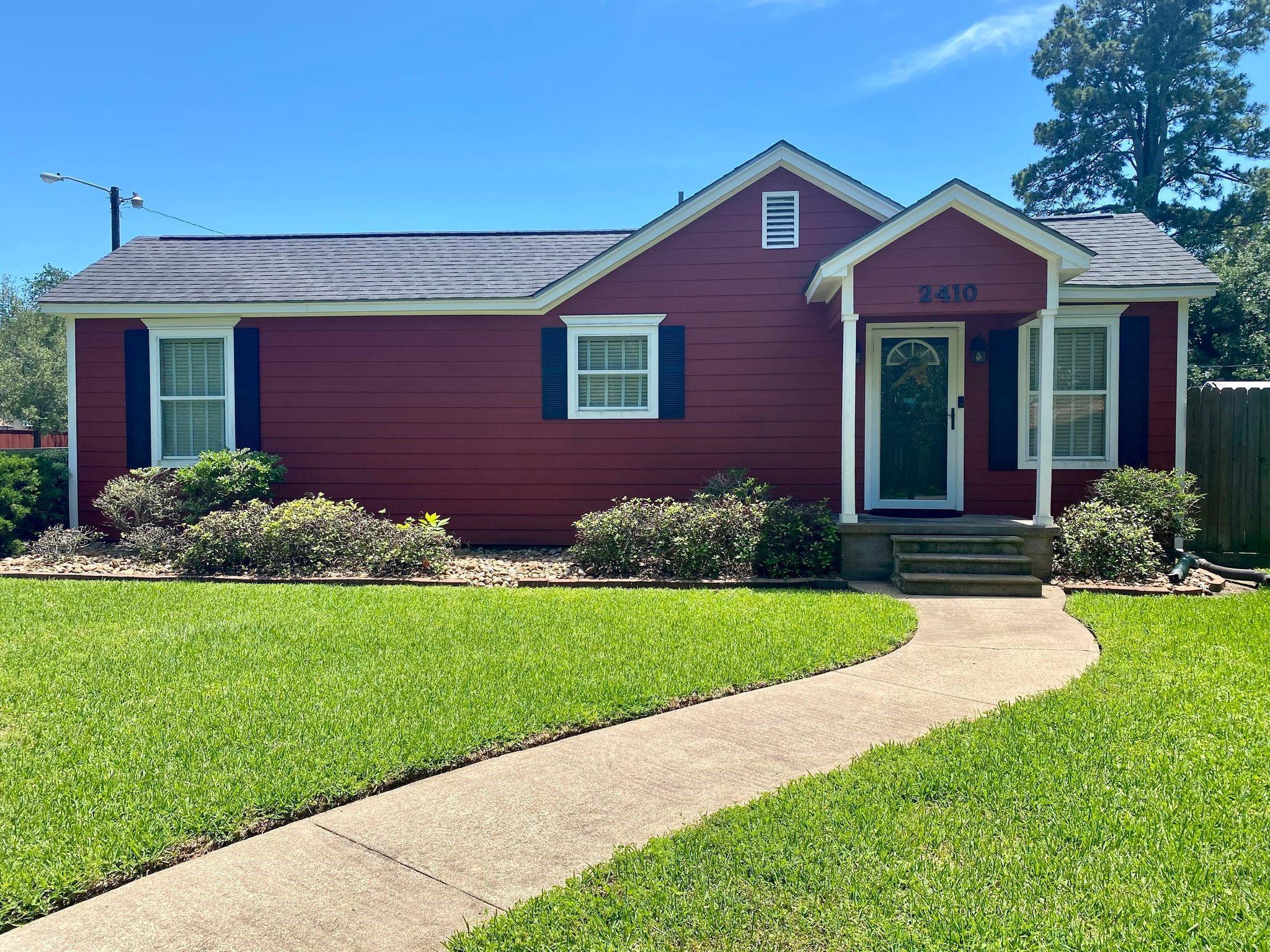 2410 Carrington Street Property Photo - Bay City, TX real estate listing