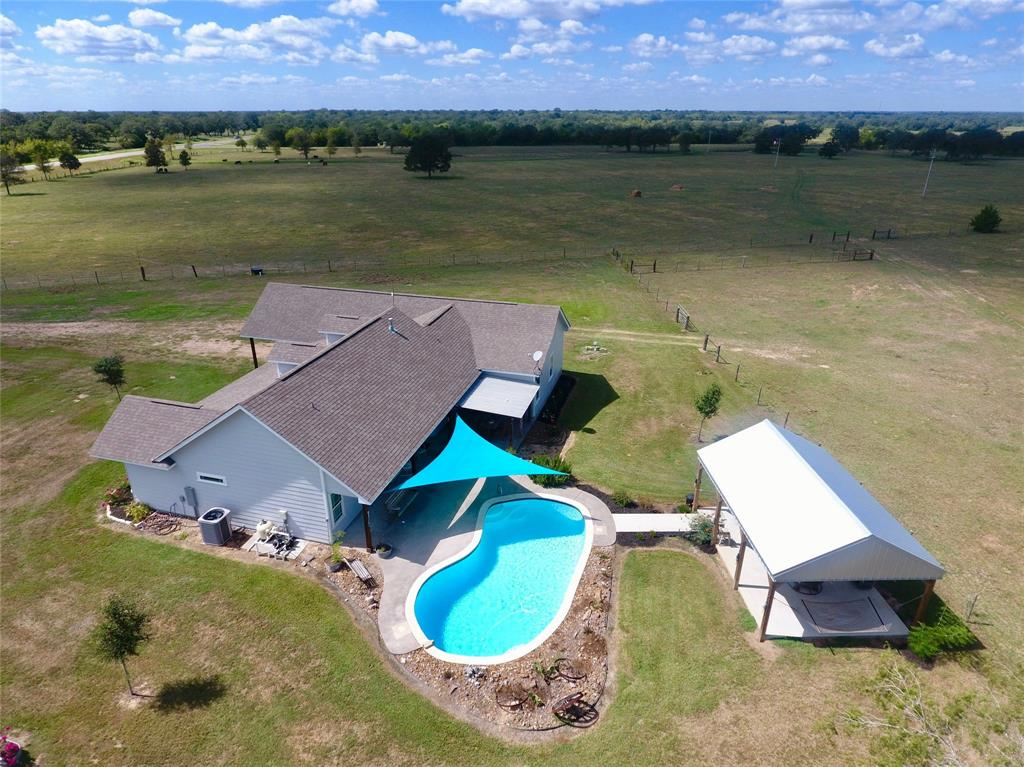7400 N State Highway 95, Flatonia, TX 78941 - Flatonia, TX real estate listing