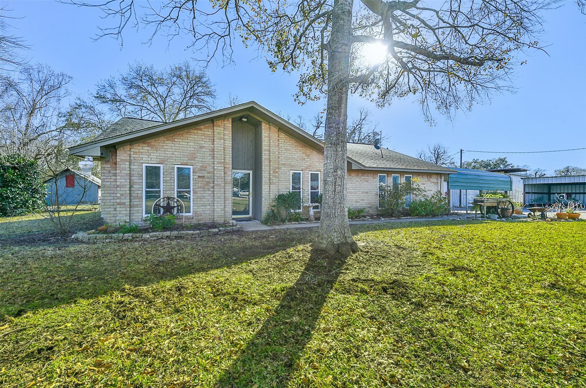 1803 Highway 332 W Property Photo - Lake Jackson, TX real estate listing