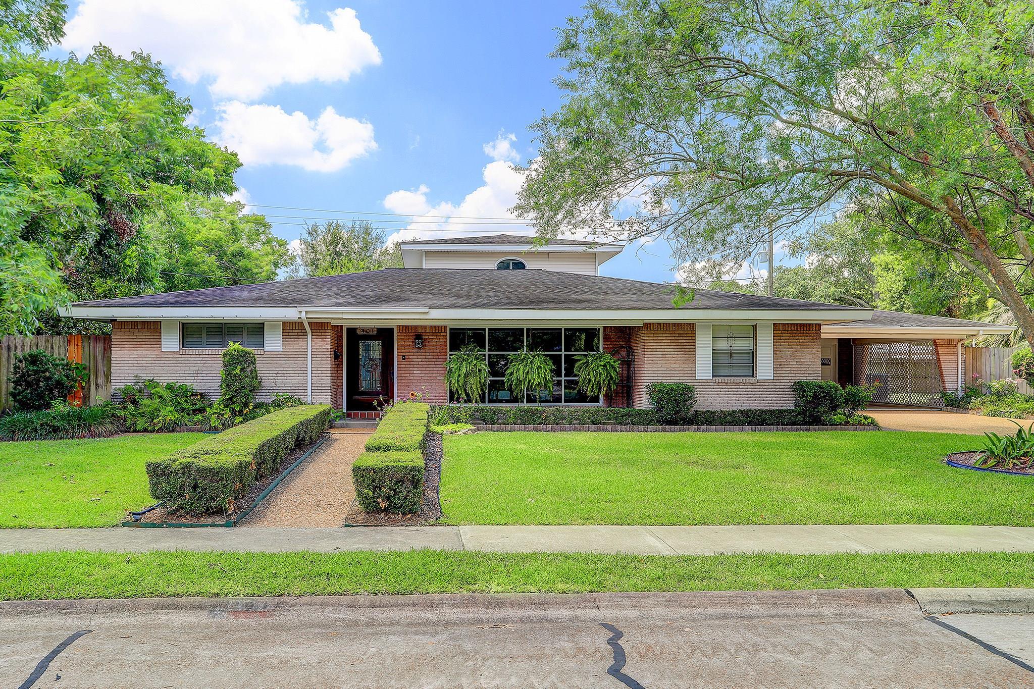901 Marlene Street Property Photo - Deer Park, TX real estate listing