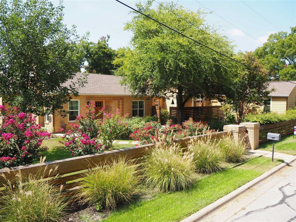 709 Buttonwood Street Property Photo - Bastrop, TX real estate listing