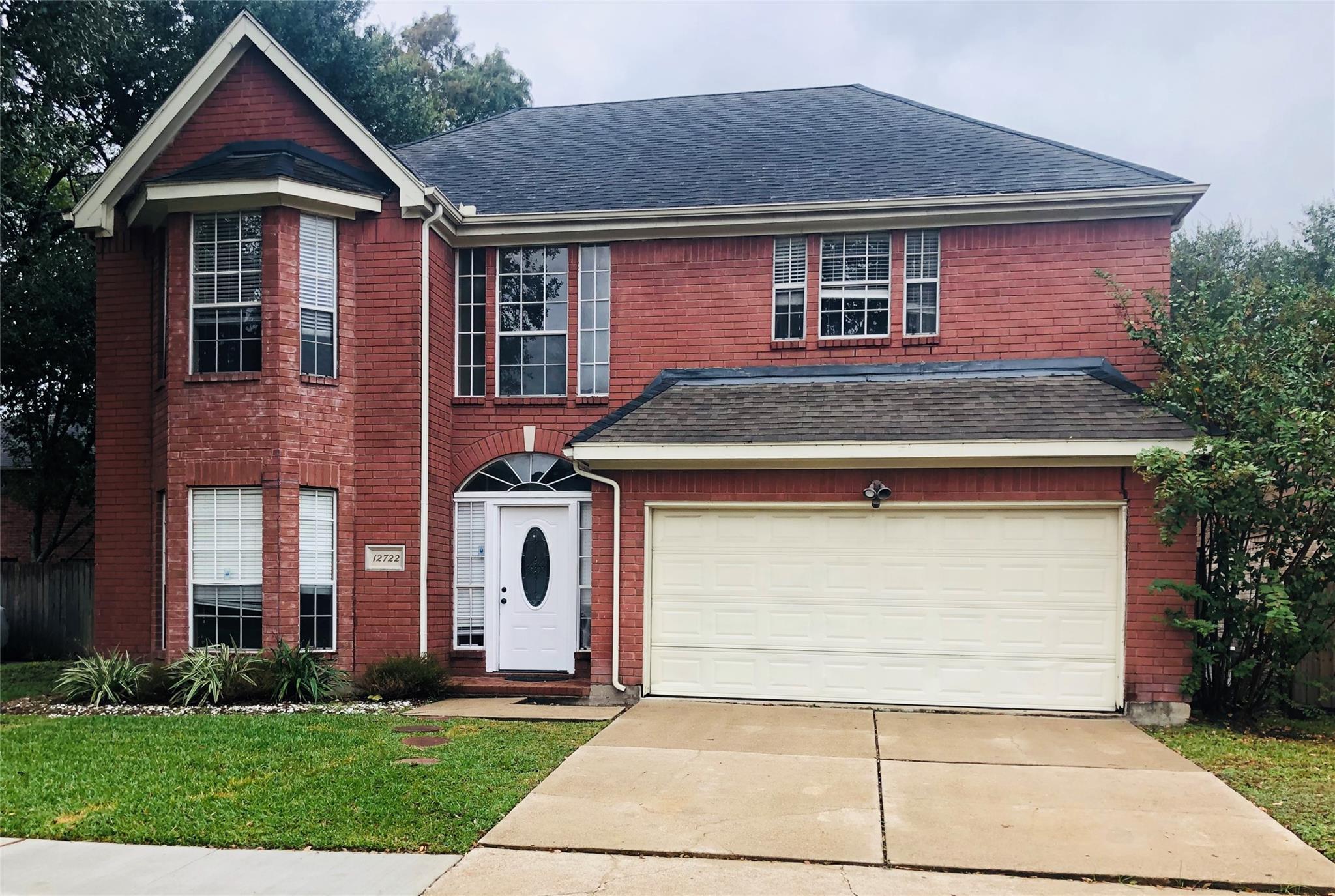 12722 Water Oak Drive Property Photo - Missouri City, TX real estate listing