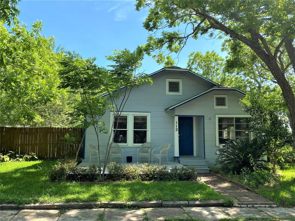 112 S Live Oak Street SE Property Photo - Fayetteville, TX real estate listing