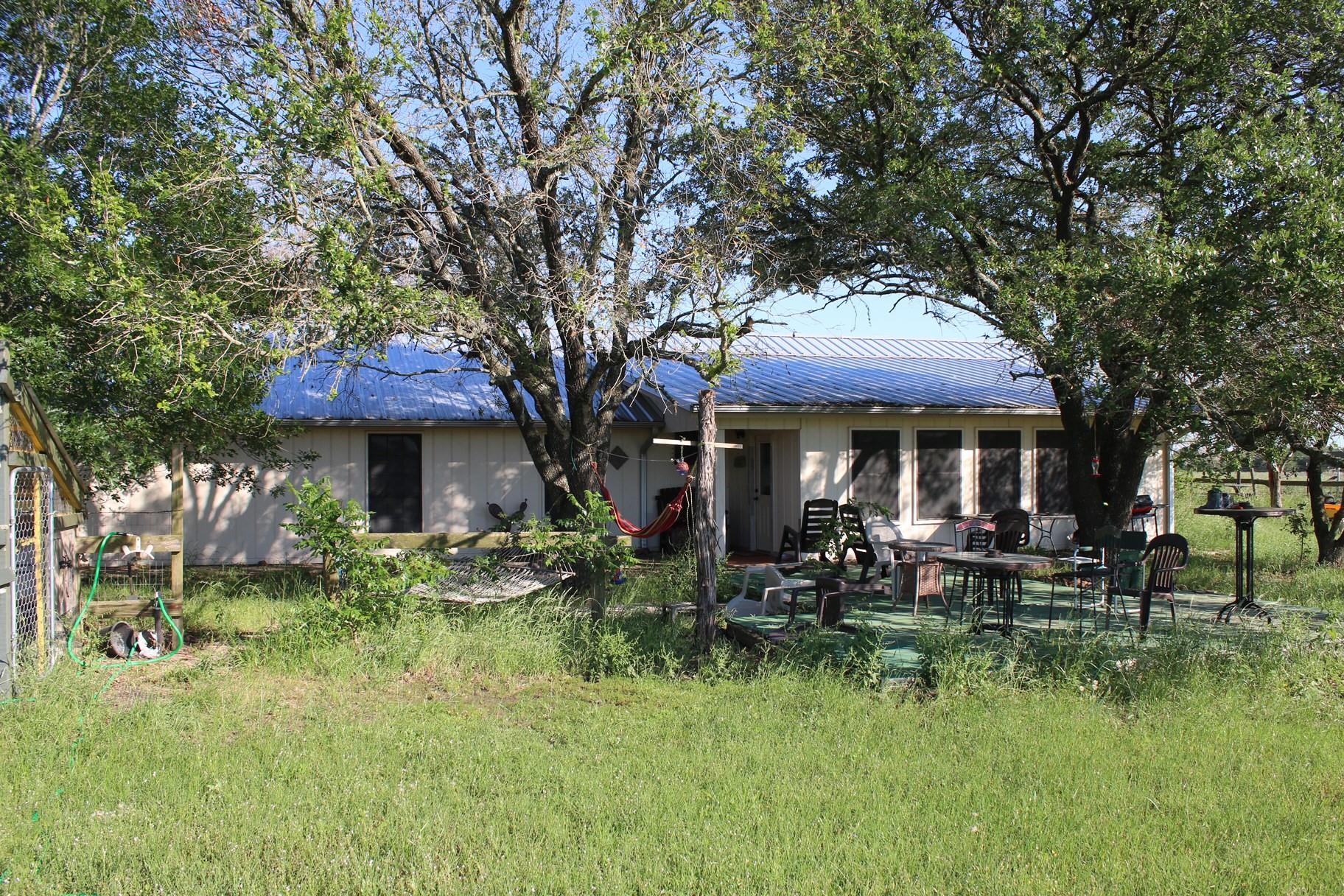 8077 Bickham Cemetery Road Property Photo