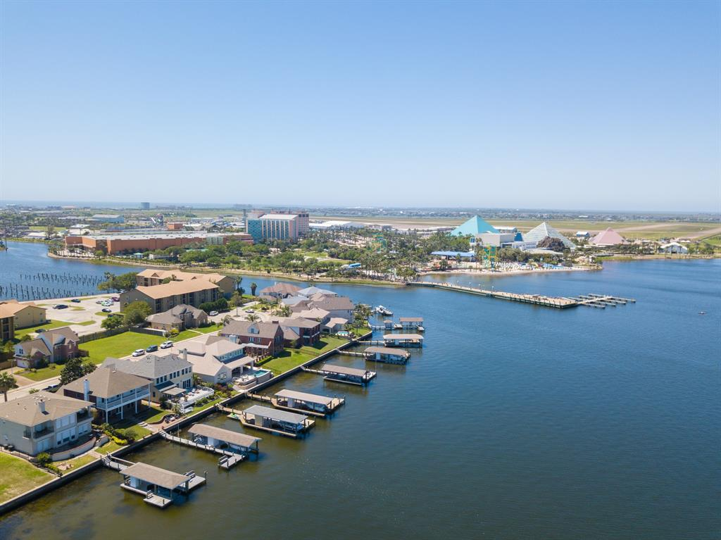 7308 Offats Point Circle Property Photo - Galveston, TX real estate listing
