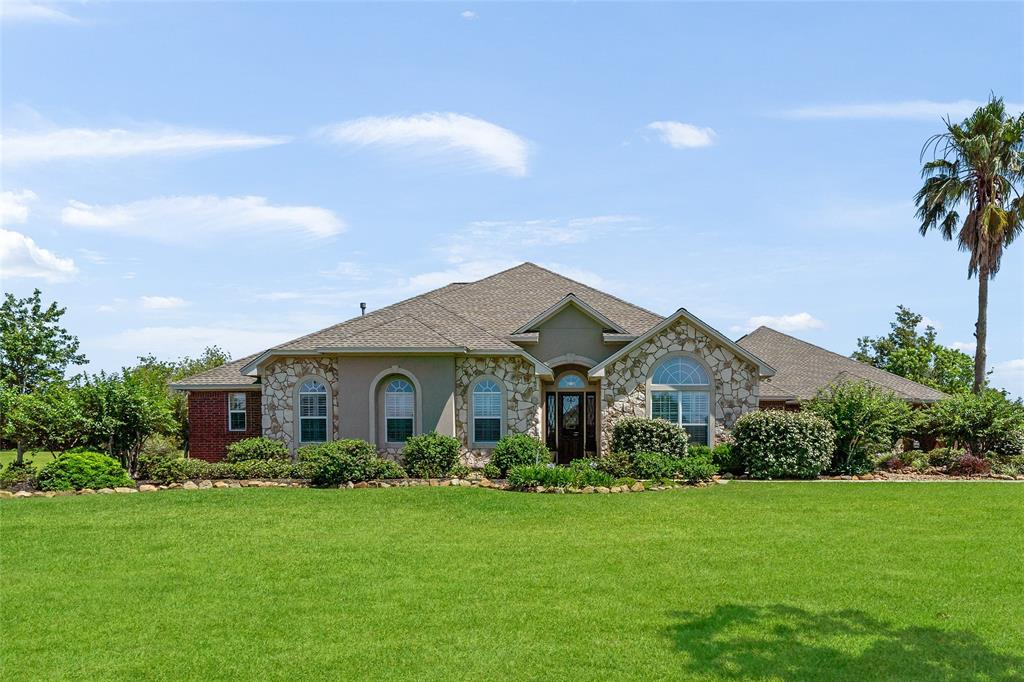 4727 Majestic Drive Property Photo - Baytown, TX real estate listing