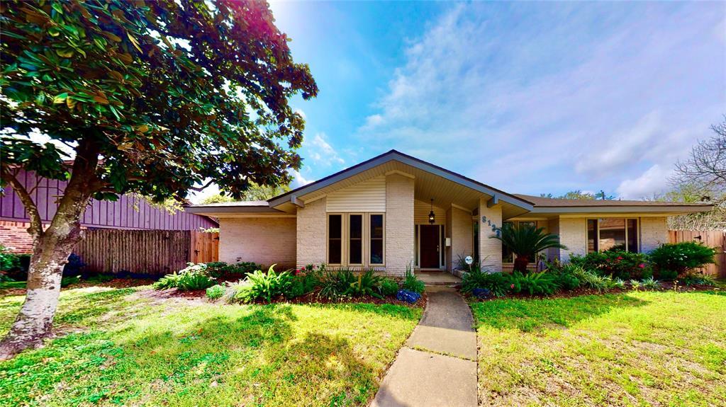8123 Burning Hills Drive, Houston, TX 77071 - Houston, TX real estate listing
