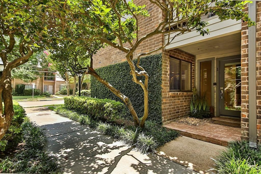 1114 Augusta Drive #1 Property Photo - Houston, TX real estate listing