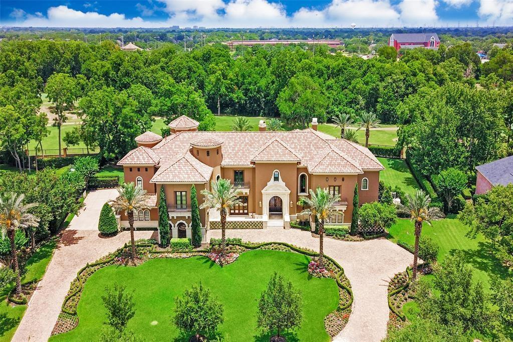 31 Beacon Hill Property Photo - Sugar Land, TX real estate listing