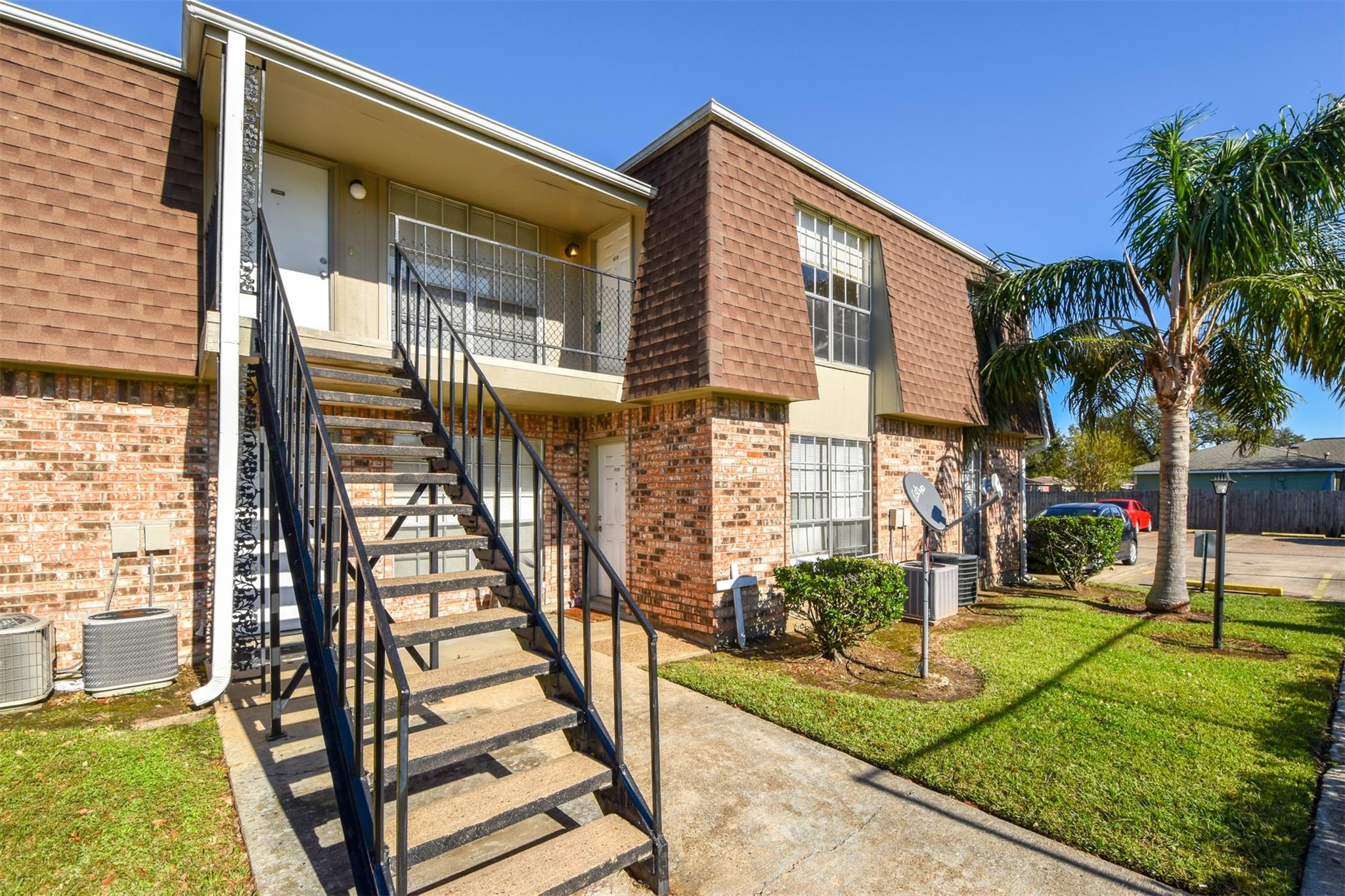 5252 Twin City Highway #406 Property Photo - Groves, TX real estate listing