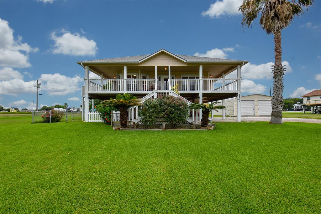 2507 W Bayshore Drive, Palacios, TX 77465 - Palacios, TX real estate listing