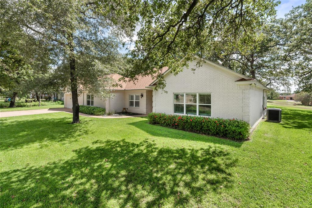 15 Hickory Ridge Place Property Photo - Hilltop Lakes, TX real estate listing