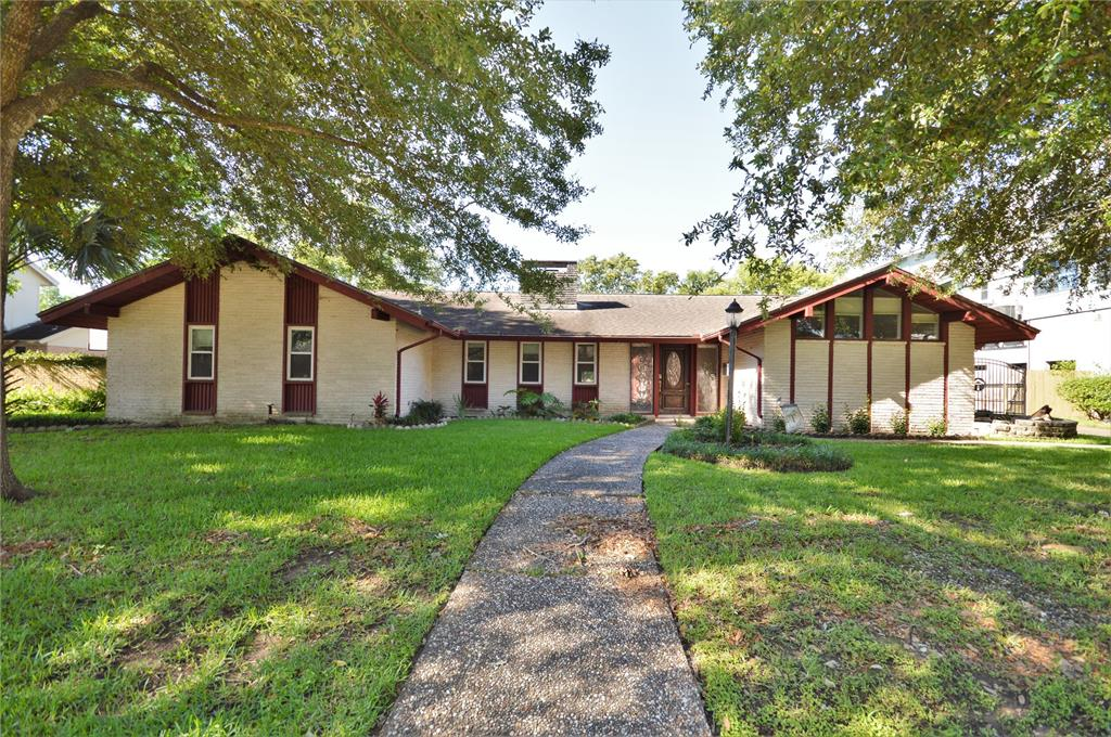 18230 Nassau Bay Drive, Nassau Bay, TX 77058 - Nassau Bay, TX real estate listing