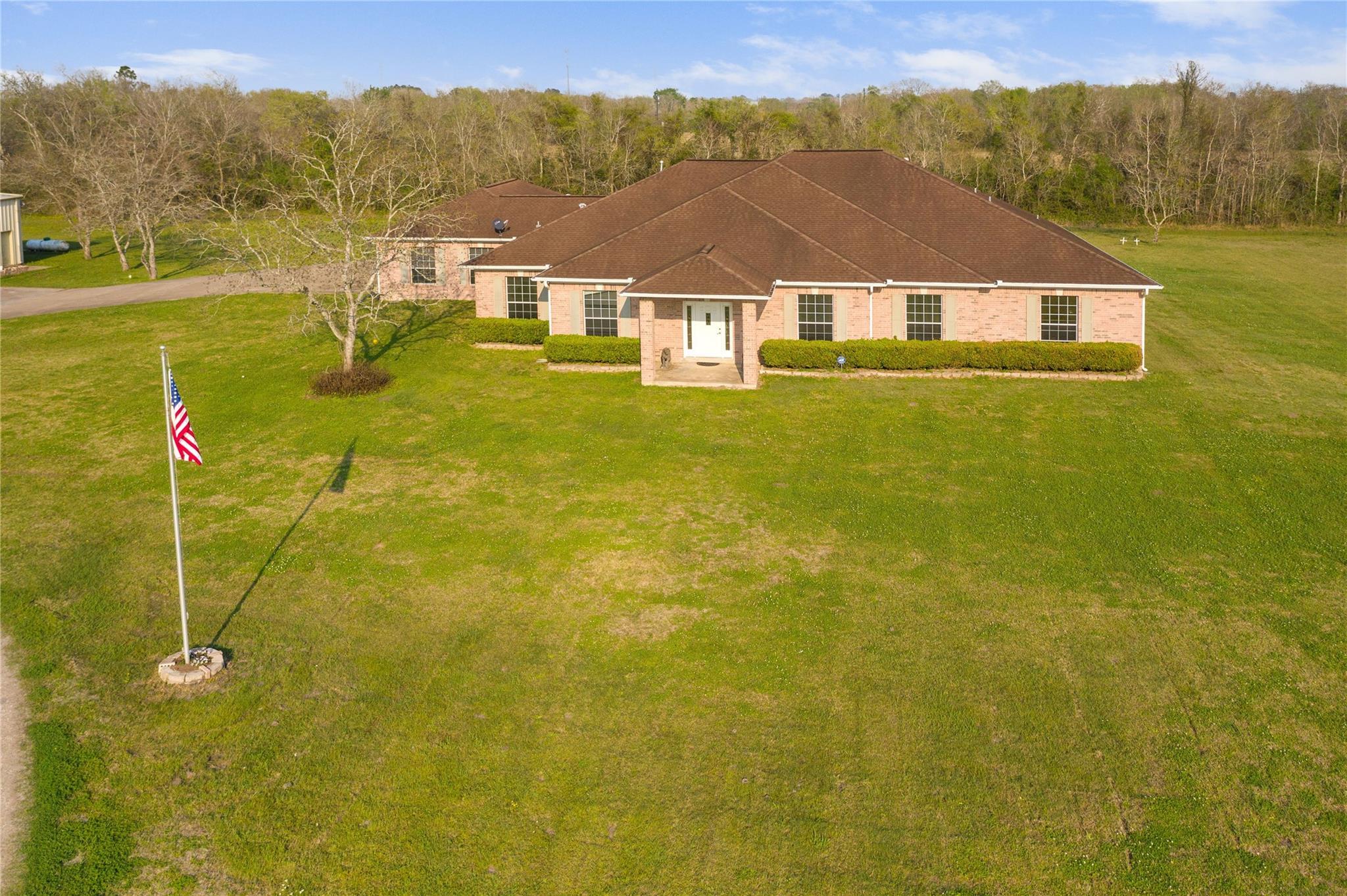 4800 Westwood Lane Property Photo - Manvel, TX real estate listing