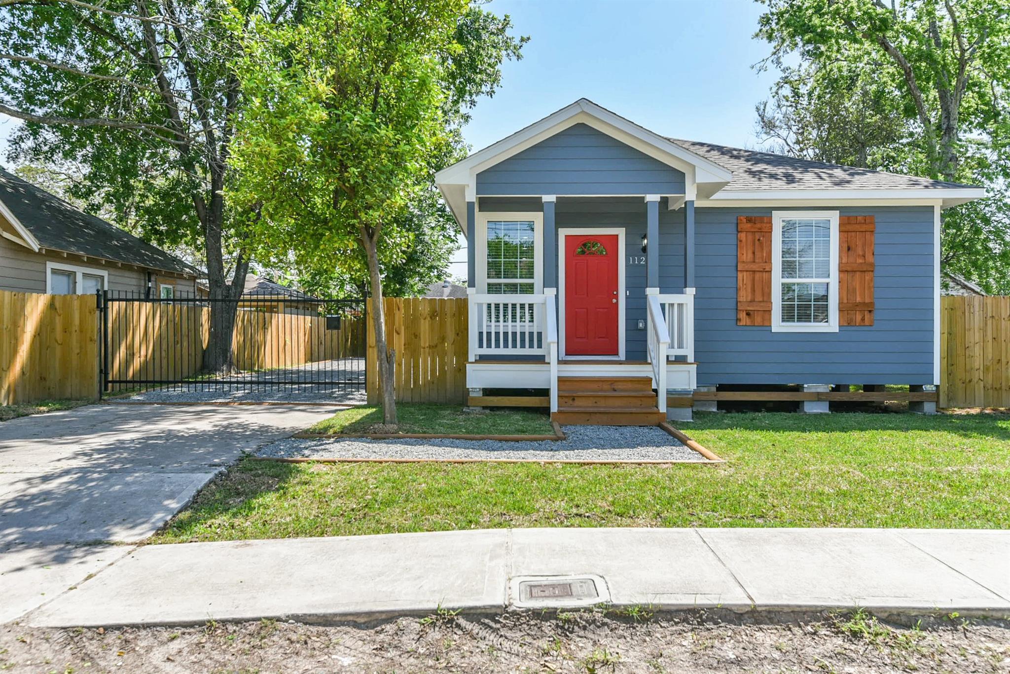 1120 Hammock Street Property Photo