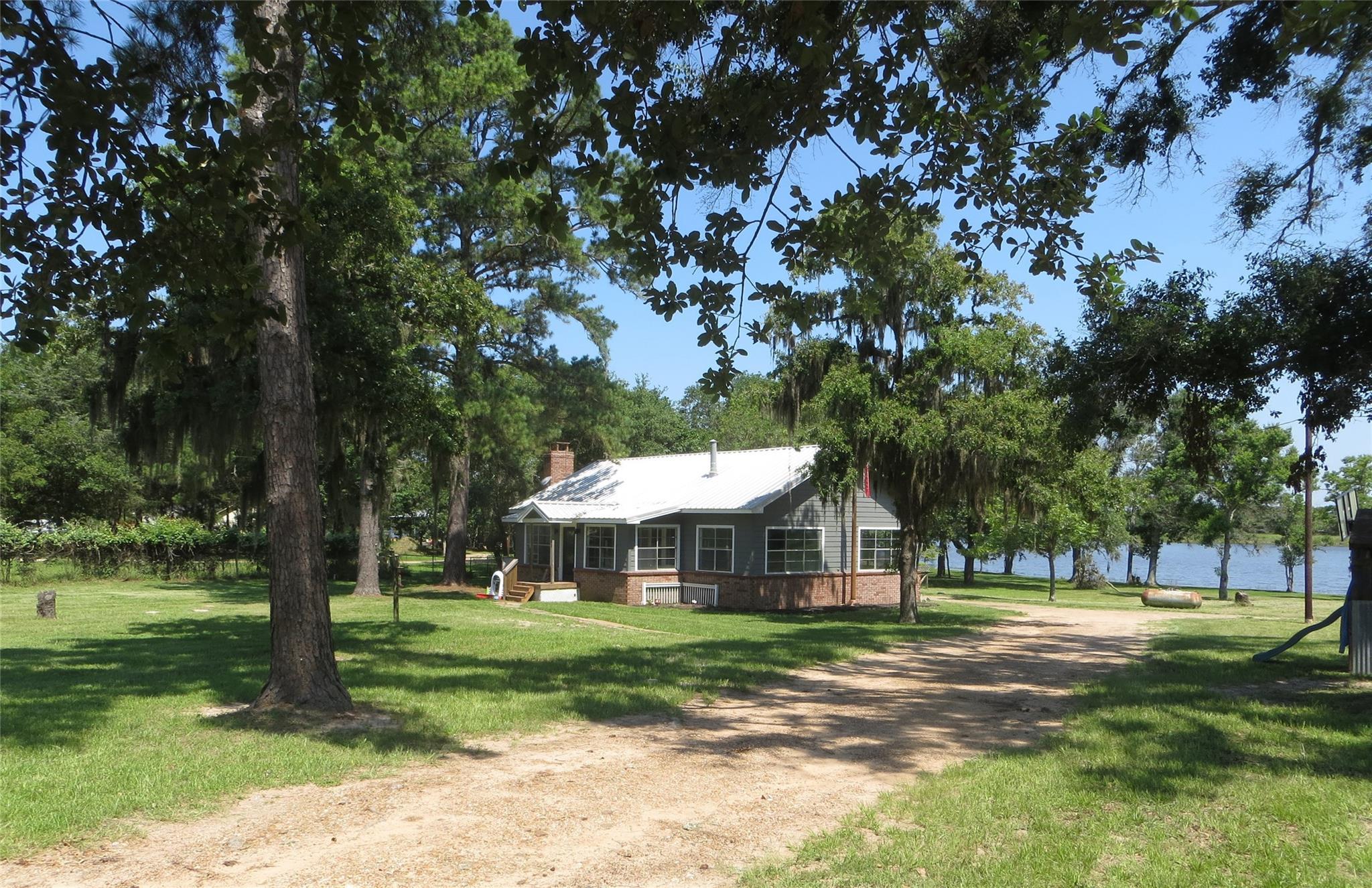 100 Crooked Creek Drive Property Photo