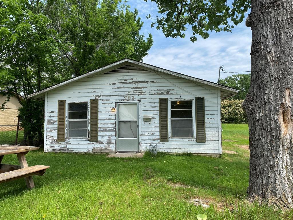703 Dillard Street Property Photo - Hearne, TX real estate listing