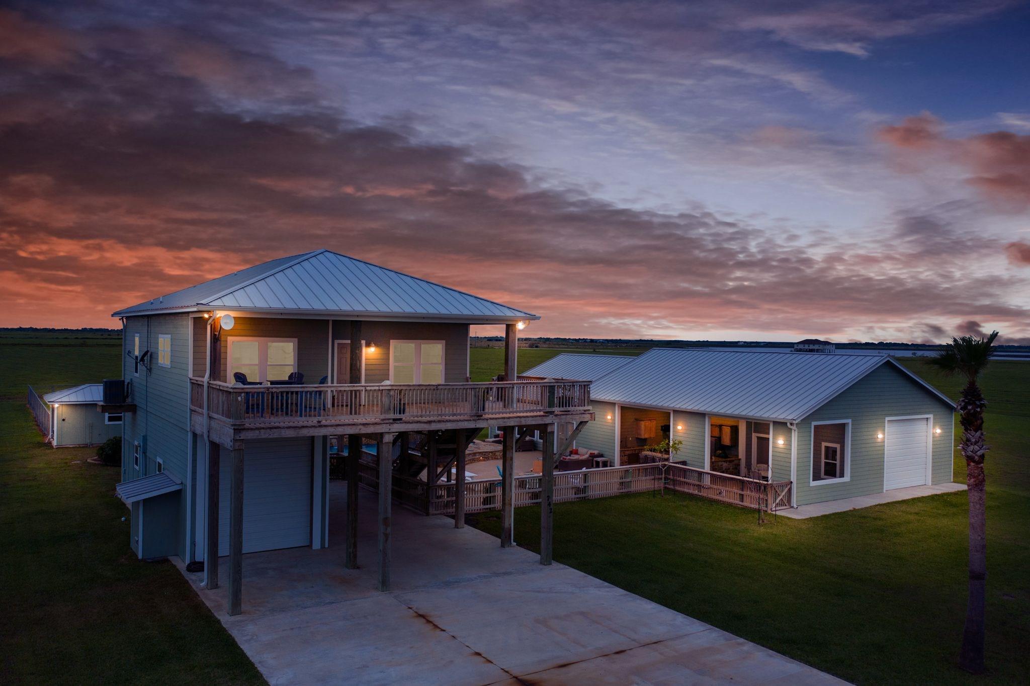 742 Bay Drive Property Photo - Palacios, TX real estate listing