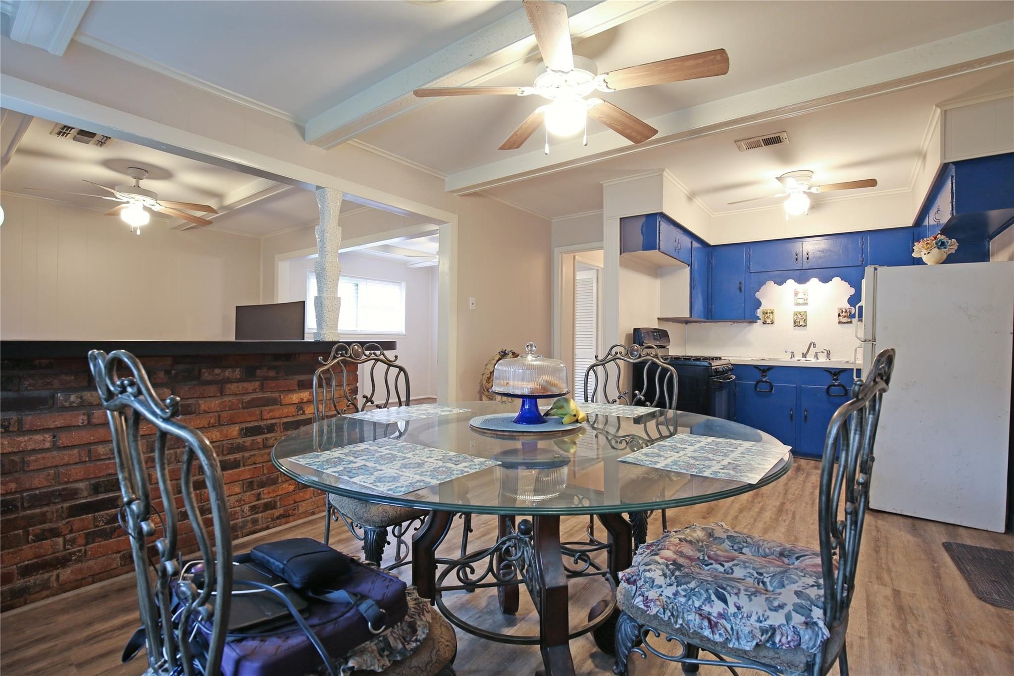 320 N Shanks Street Property Photo