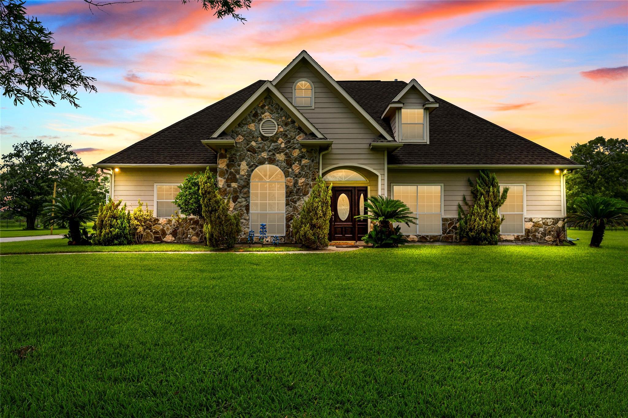 311 Kilgore Avenue Property Photo - Baytown, TX real estate listing