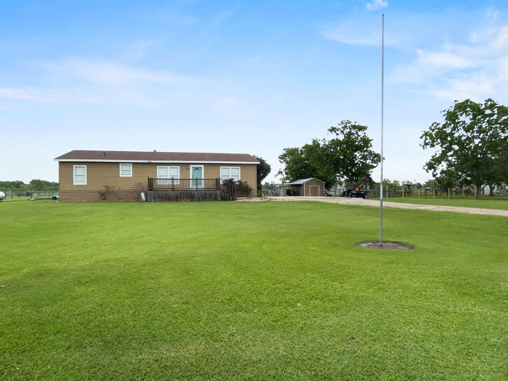 2931 County Road 209 Property Photo - Danbury, TX real estate listing