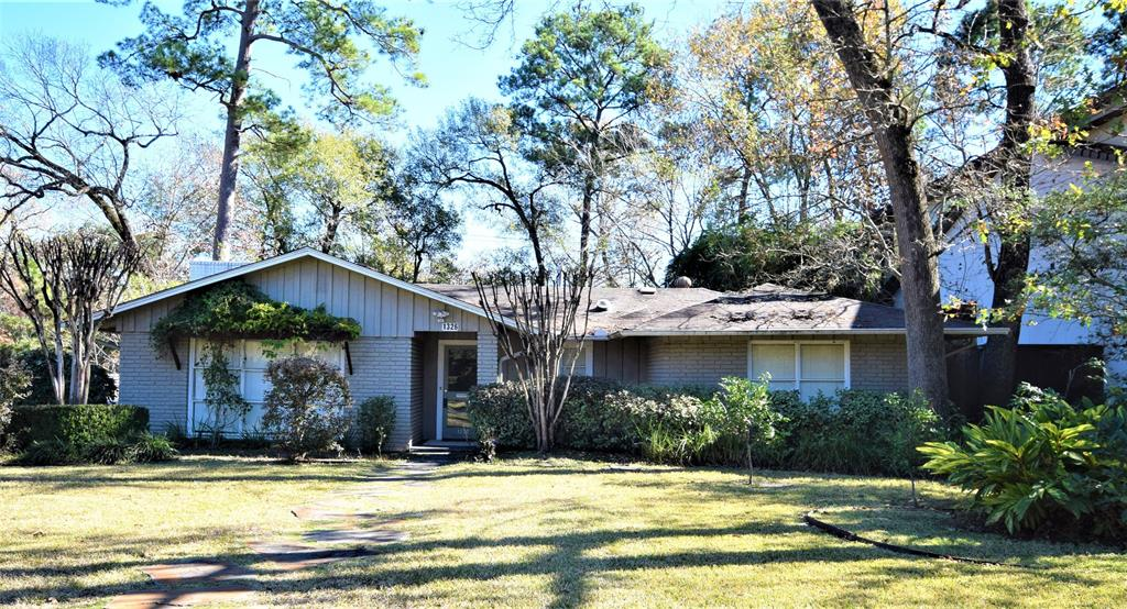 1326 Ridgeley Drive, Hilshire Village, TX 77055 - Hilshire Village, TX real estate listing