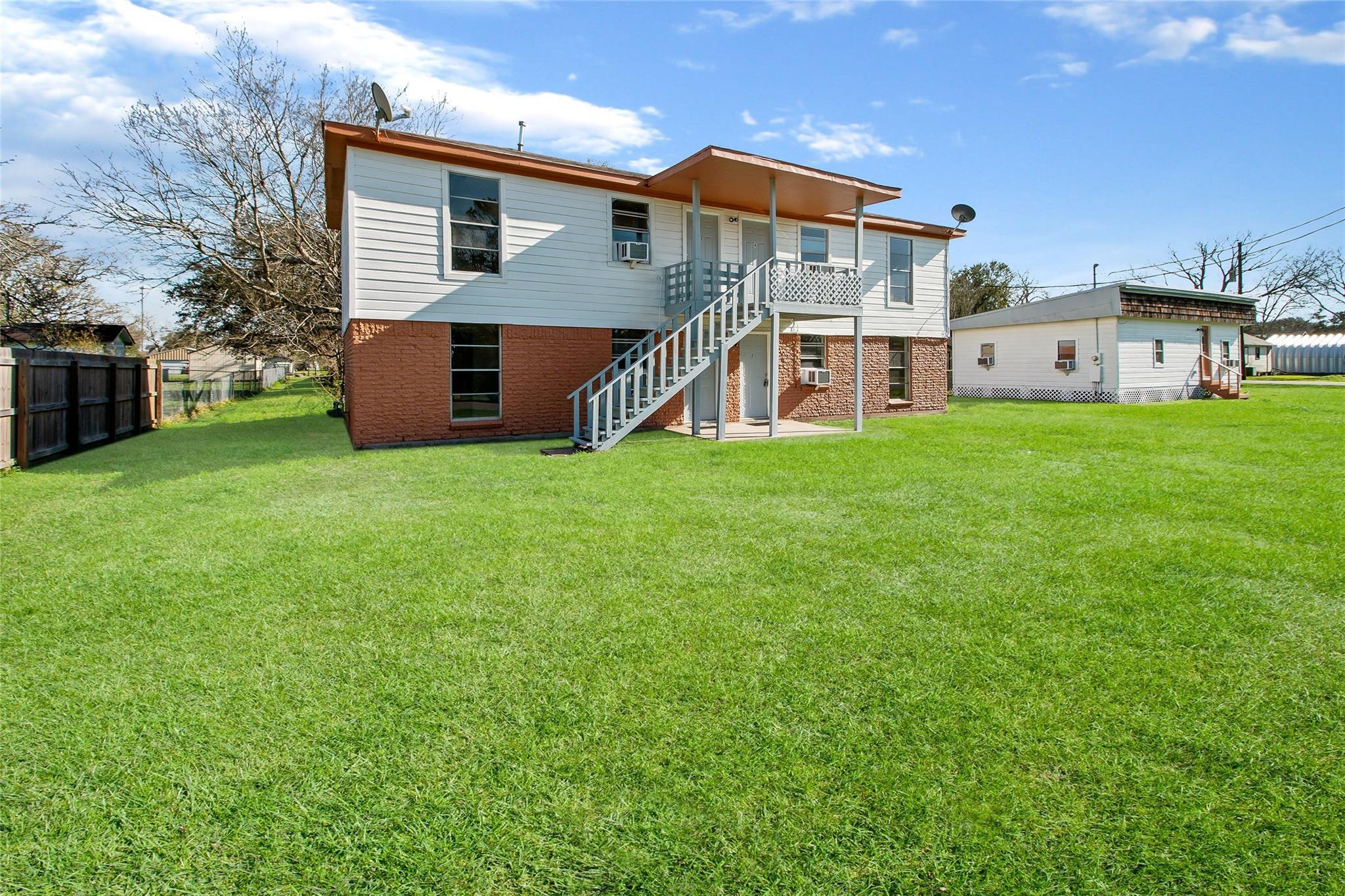 5415 3rd Street Property Photo - Danbury, TX real estate listing