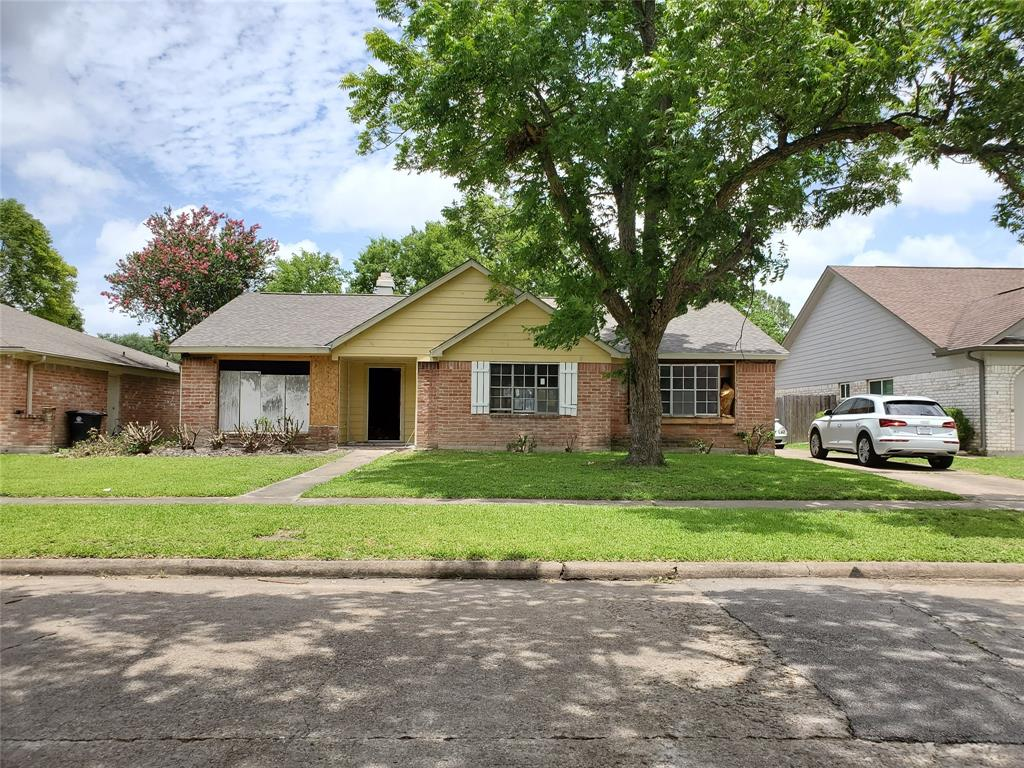 12130 Longbrook Drive, Houston, TX 77099 - Houston, TX real estate listing