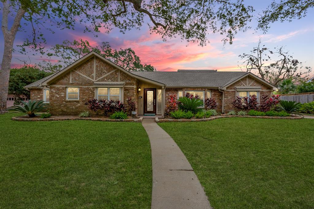 4911 Braesvalley Drive, Houston, TX 77096 - Houston, TX real estate listing