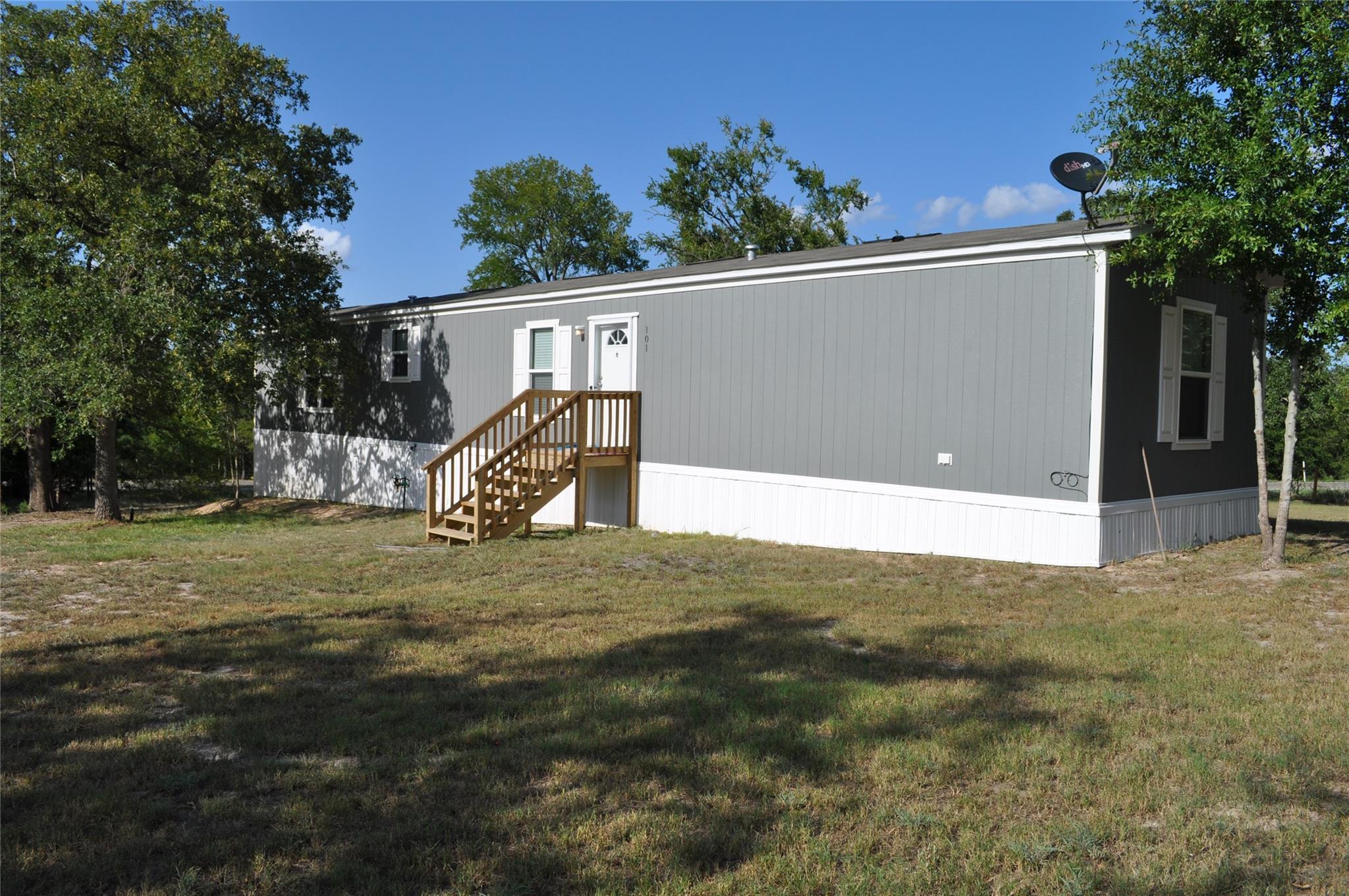 101 Pin Oak Cir Circle Property Photo - Somerville, TX real estate listing