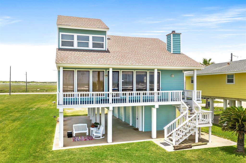 2534 Lake Court Property Photo - Surfside Beach, TX real estate listing