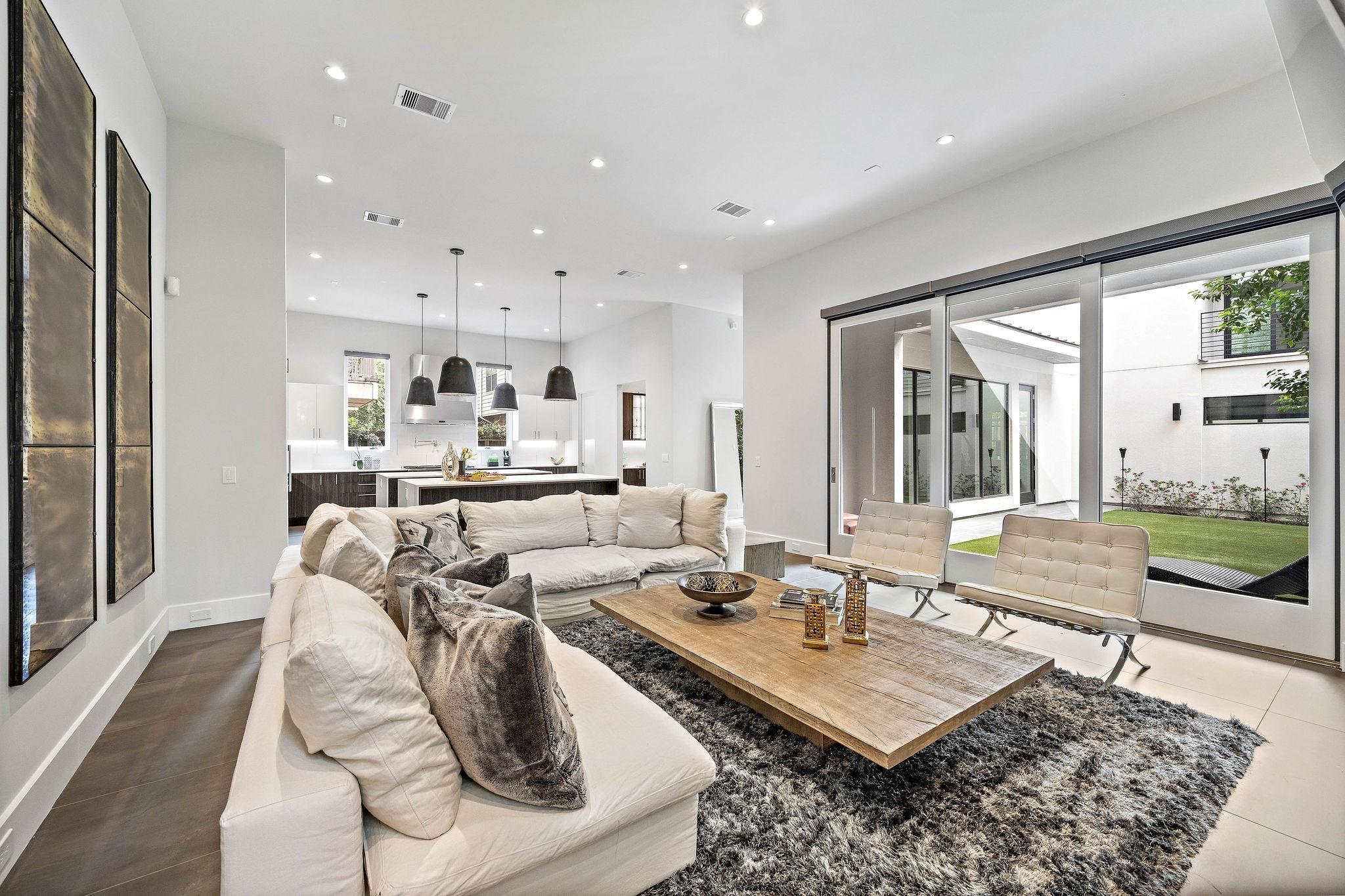 103 Roy Street Property Photo - Houston, TX real estate listing