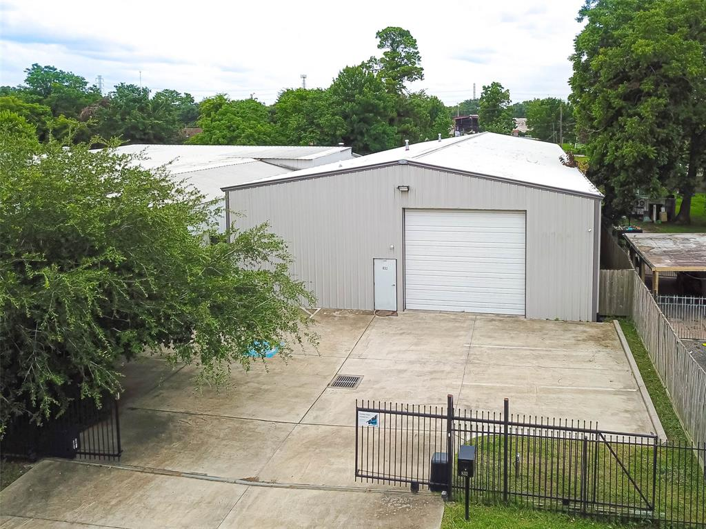 832 Dorchester Street Property Photo - Houston, TX real estate listing