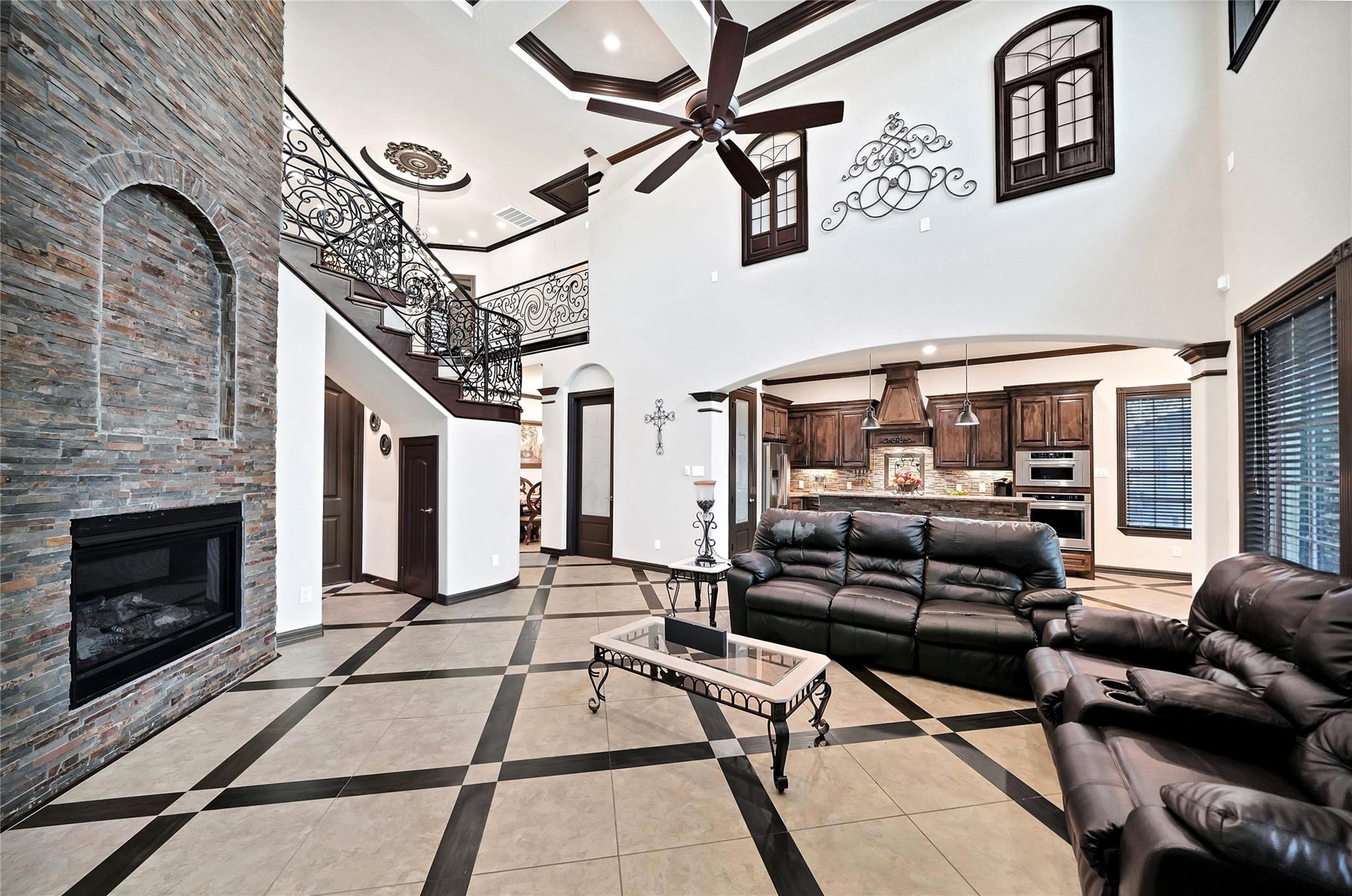 10225 Norvic Street Property Photo