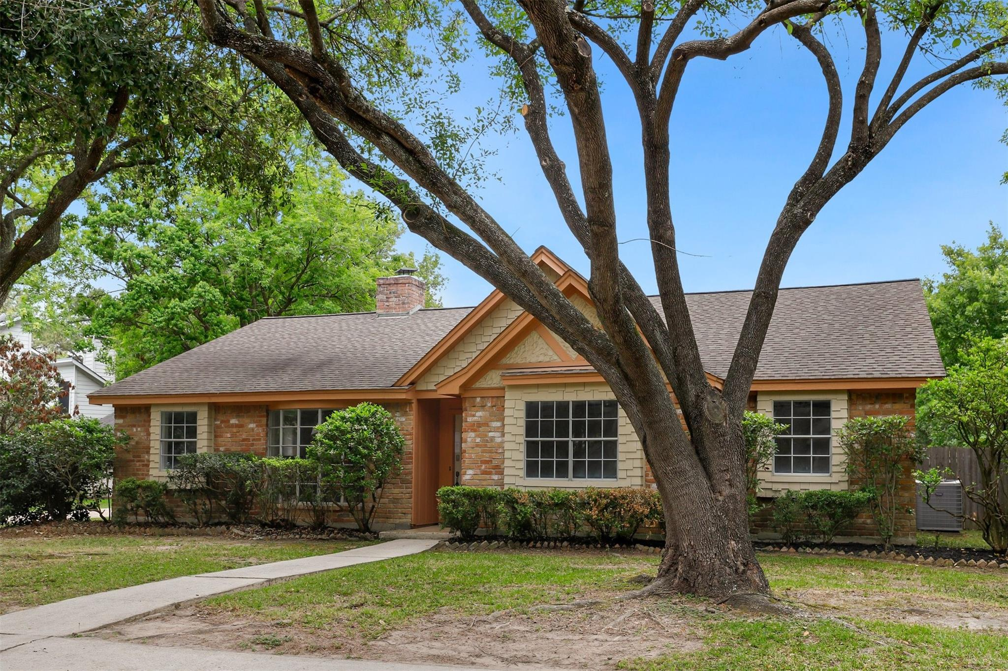 16310 Tahoe Drive Property Photo - Jersey Village, TX real estate listing
