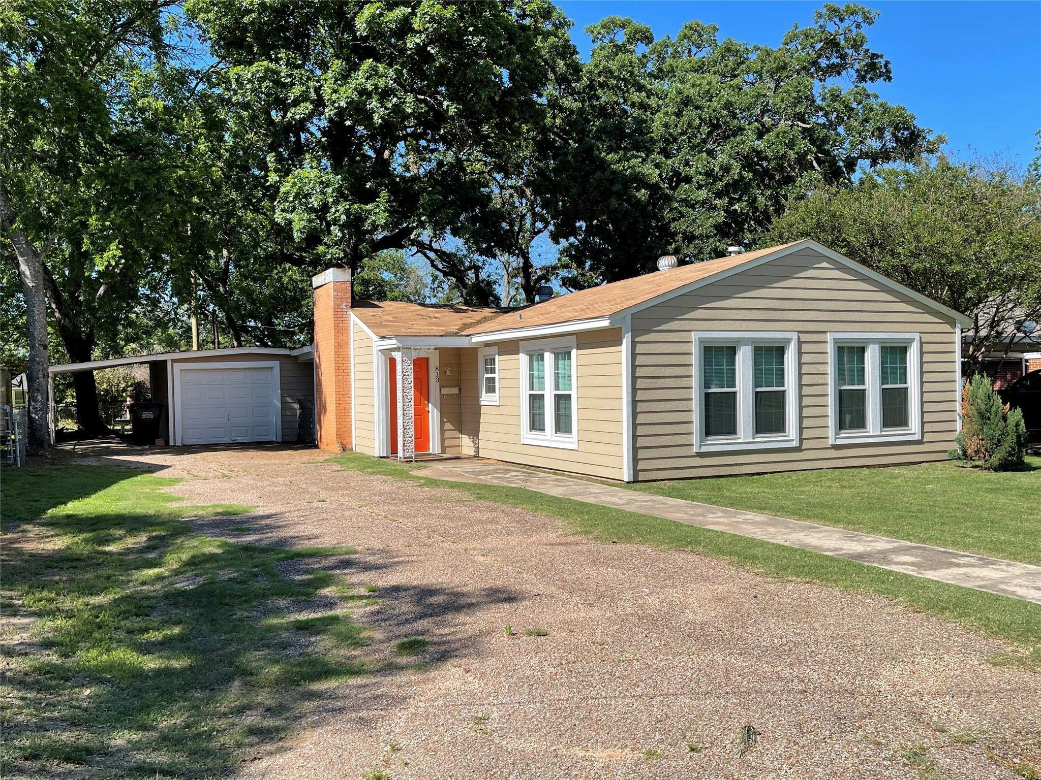 813 Walnut Street Property Photo