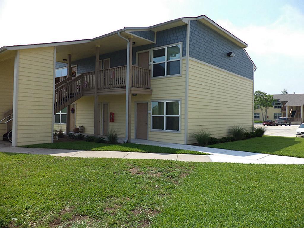 655 Castle Park Drive Property Photo - Corpus Christi, TX real estate listing