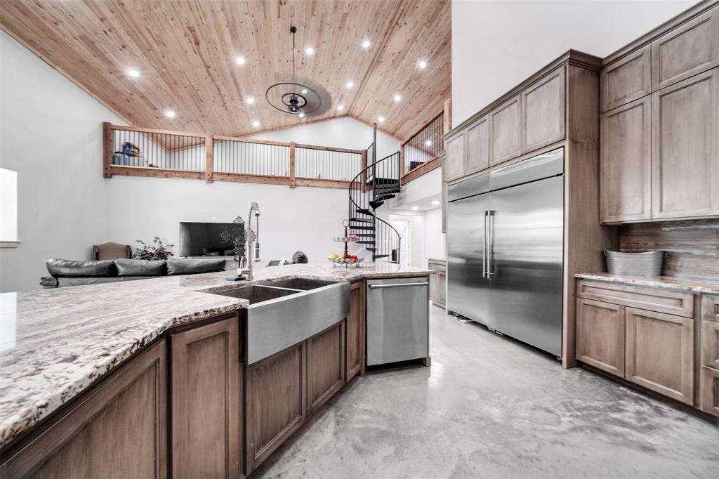 16865 Cowan Property Photo - Alvin, TX real estate listing