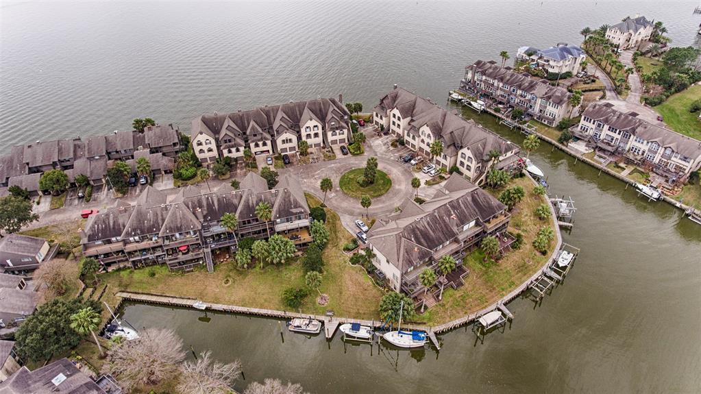 2727 Lighthouse Drive Property Photo - Houston, TX real estate listing