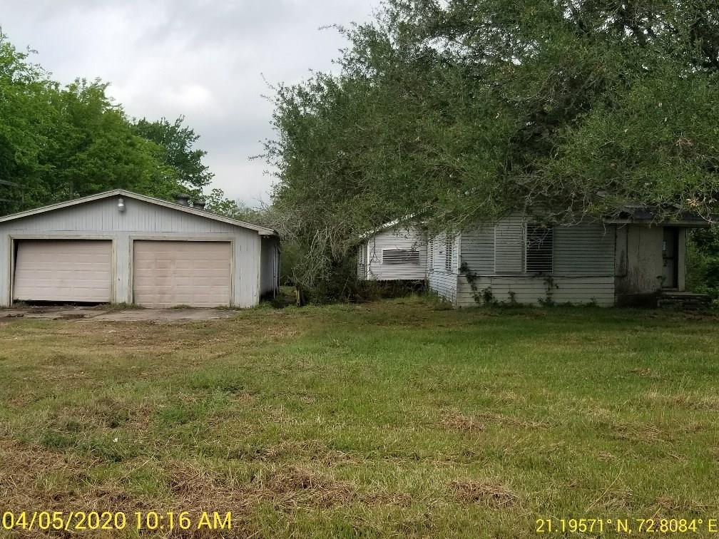 5012 1/2 Farmer Road Property Photo - Alvin, TX real estate listing