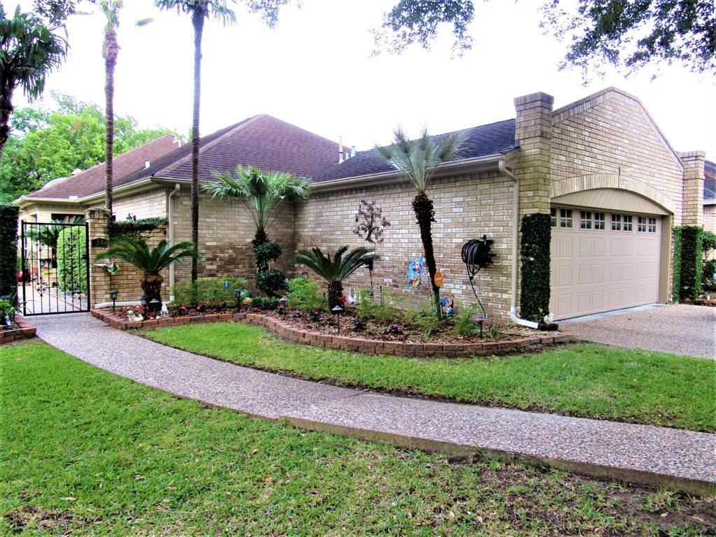 34 Valhalla Drive Property Photo - Bay City, TX real estate listing