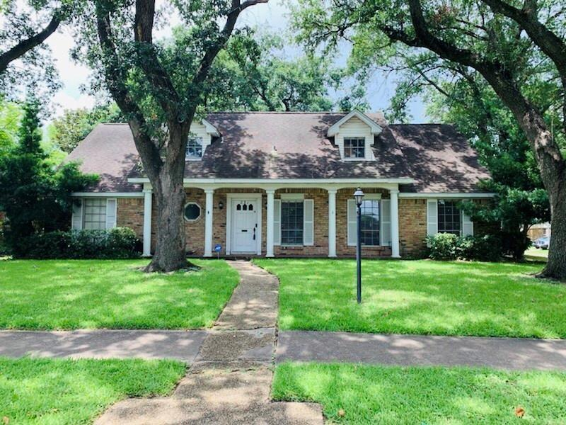 231 Viceroy Drive Property Photo - Houston, TX real estate listing